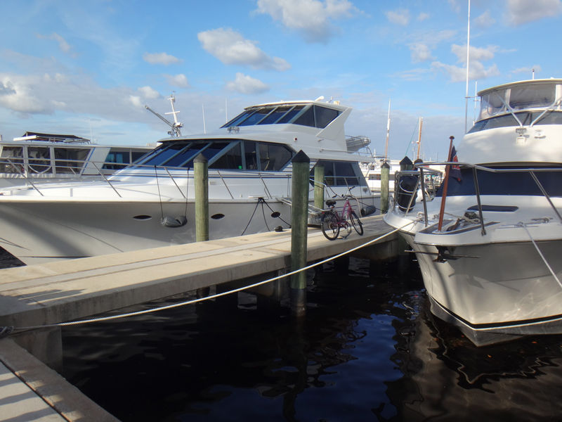 Boats on water at City of Ft. Myers Yacht Basin
