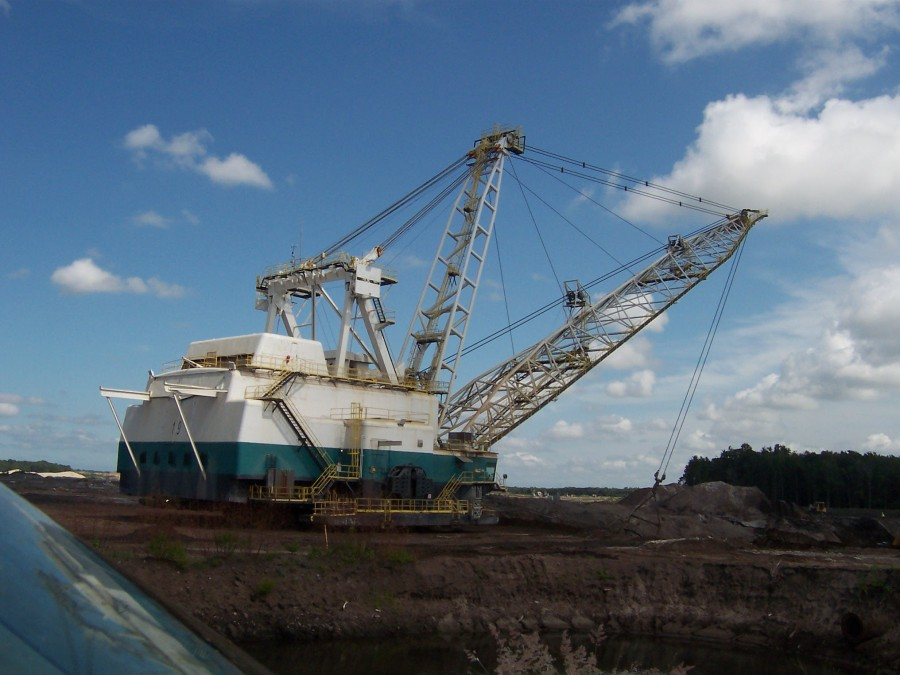 Dragline mining for phosphate at Four Corners Lonesome Mine